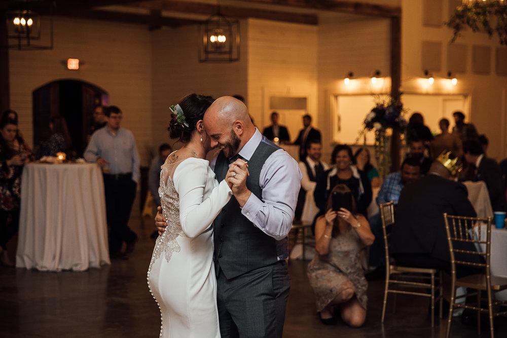 Caitlin-and-Bryan-Avon-Acres-Memphis-TN-Wedding-230.jpg