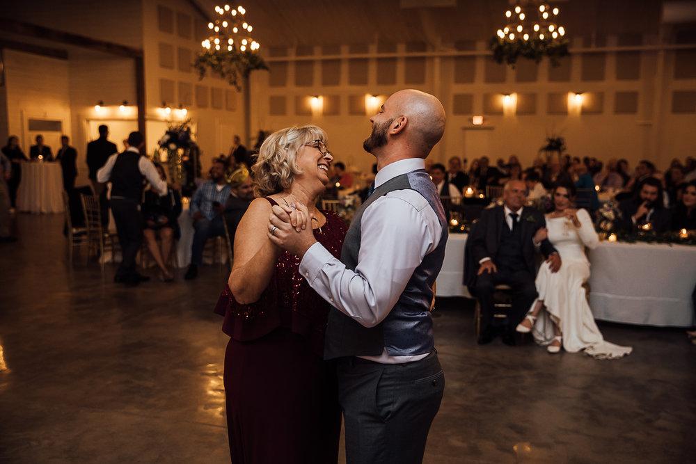 Caitlin-and-Bryan-Avon-Acres-Memphis-TN-Wedding-241.jpg