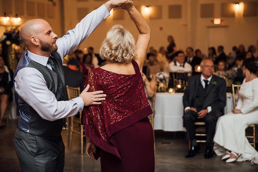 Caitlin-and-Bryan-Avon-Acres-Memphis-TN-Wedding-247.jpg