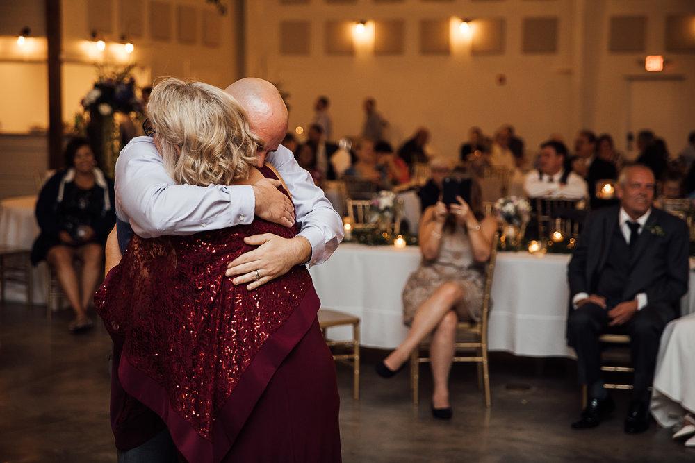Caitlin-and-Bryan-Avon-Acres-Memphis-TN-Wedding-248.jpg