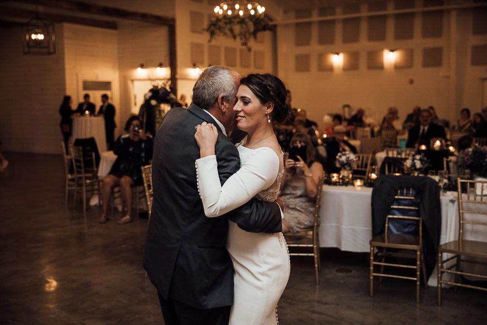 Caitlin-and-Bryan-Avon-Acres-Memphis-TN-Wedding-249.jpg