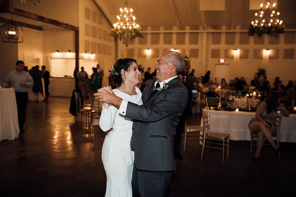 Caitlin-and-Bryan-Avon-Acres-Memphis-TN-Wedding-257.jpg