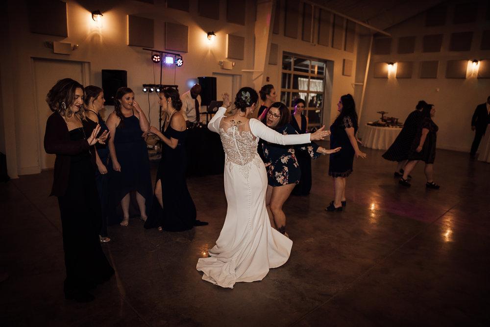 Caitlin-and-Bryan-Avon-Acres-Memphis-TN-Wedding-266.jpg