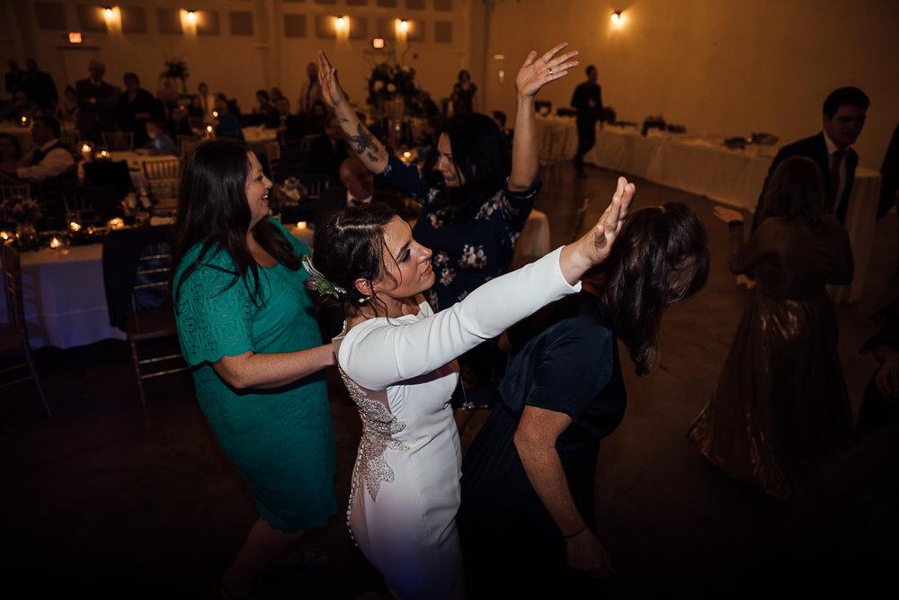 Caitlin-and-Bryan-Avon-Acres-Memphis-TN-Wedding-267.jpg