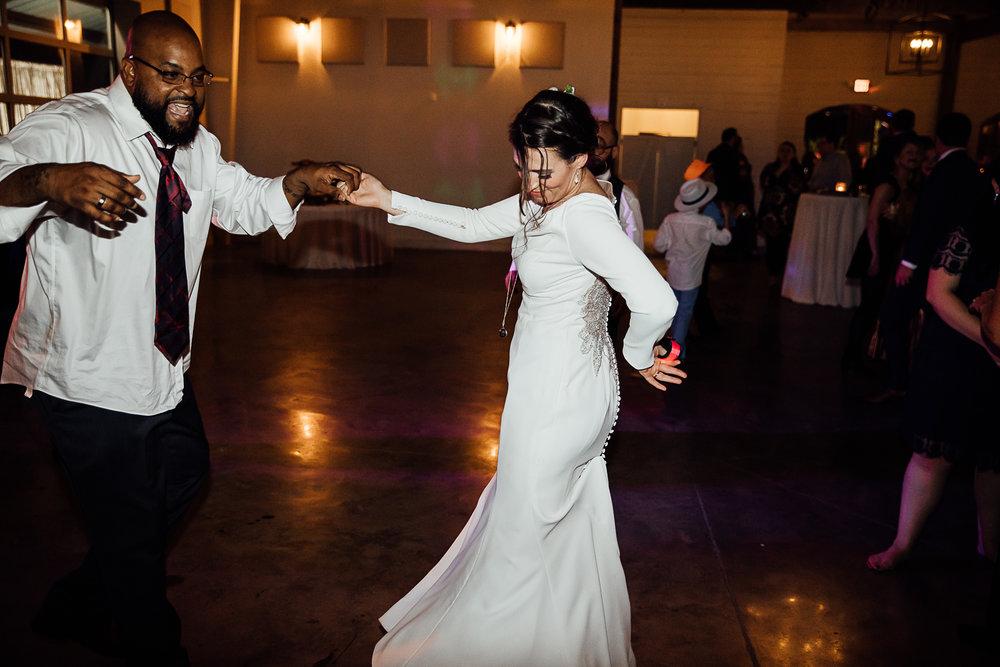 Caitlin-and-Bryan-Avon-Acres-Memphis-TN-Wedding-302.jpg