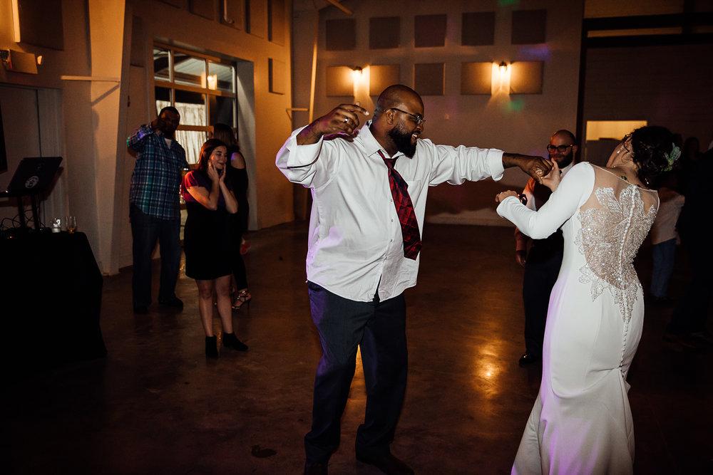 Caitlin-and-Bryan-Avon-Acres-Memphis-TN-Wedding-304.jpg