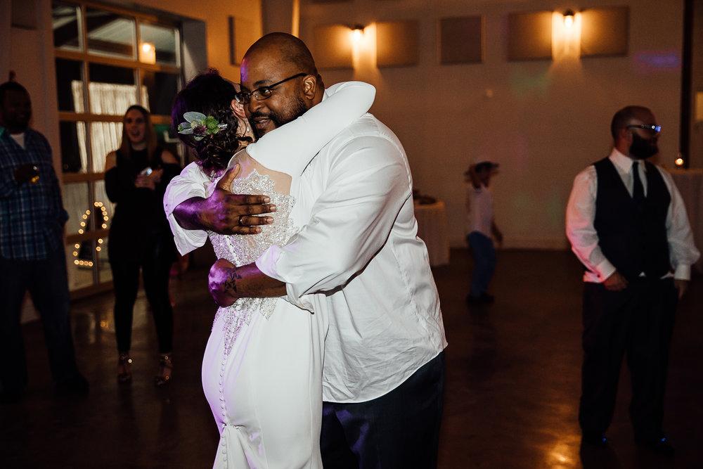 Caitlin-and-Bryan-Avon-Acres-Memphis-TN-Wedding-305.jpg