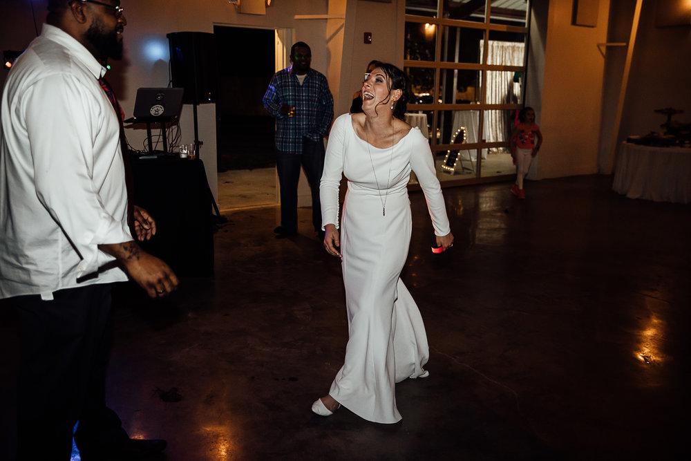 Caitlin-and-Bryan-Avon-Acres-Memphis-TN-Wedding-308.jpg