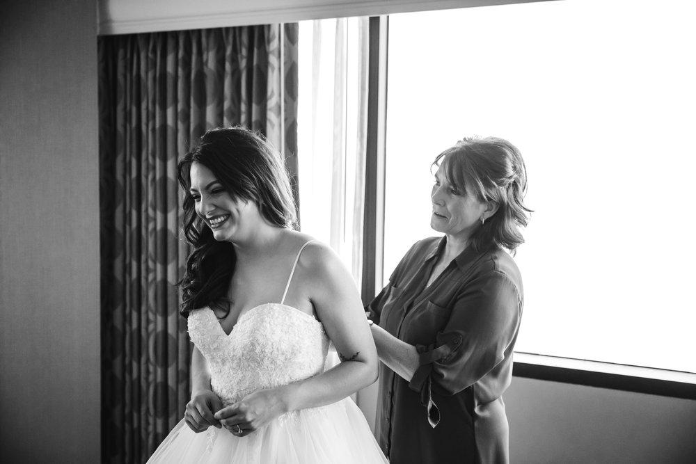 memphis-wedding-photographers-thewarmtharoundyou-ballinese-ballroom (29 of 232).jpg