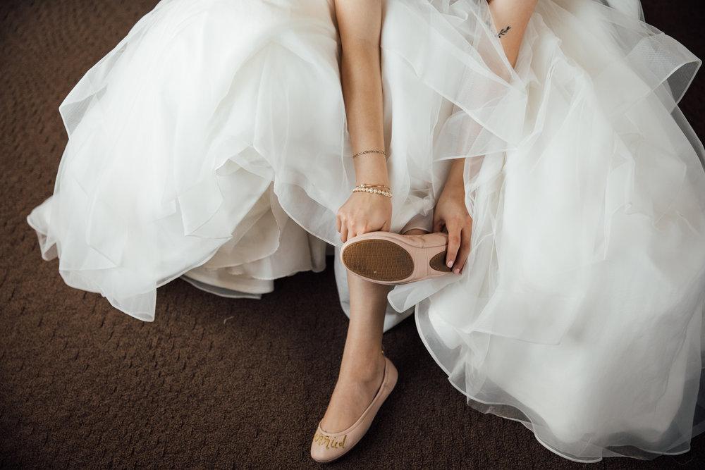 memphis-wedding-photographers-thewarmtharoundyou-ballinese-ballroom (52 of 232).jpg