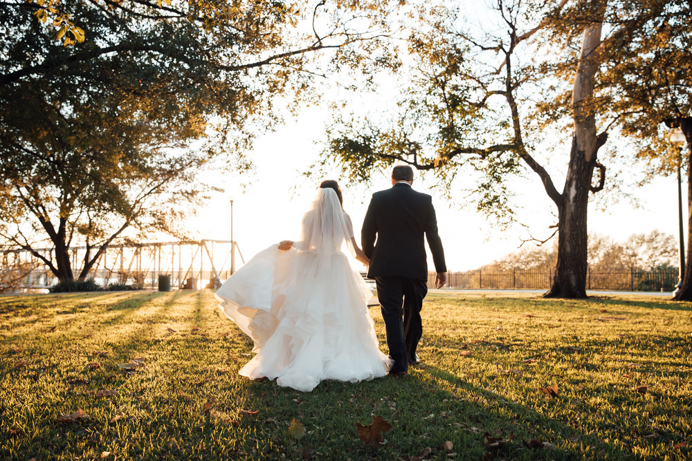 memphis-wedding-photographers-thewarmtharoundyou-ballinese-ballroom (79 of 232).jpg