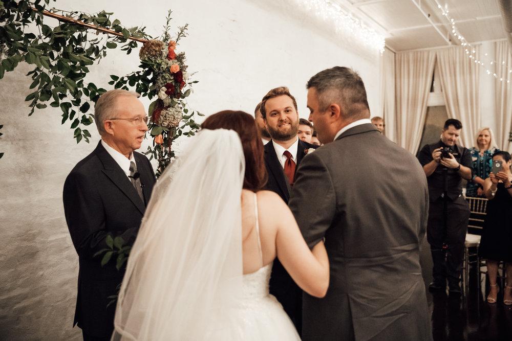 memphis-wedding-photographers-thewarmtharoundyou-ballinese-ballroom (138 of 232).jpg