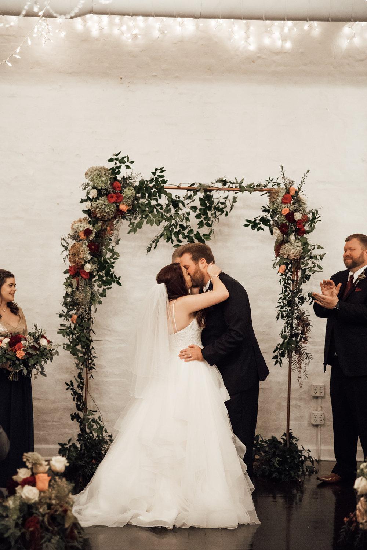 memphis-wedding-photographers-thewarmtharoundyou-ballinese-ballroom (159 of 232).jpg