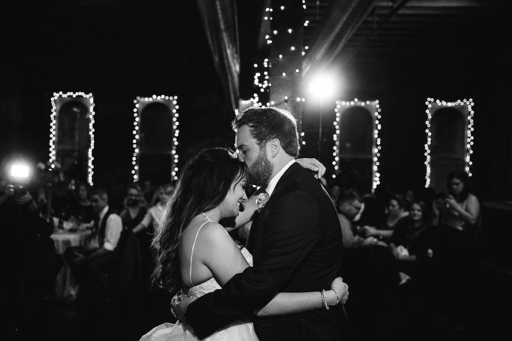 memphis-wedding-photographers-thewarmtharoundyou-ballinese-ballroom (203 of 232).jpg