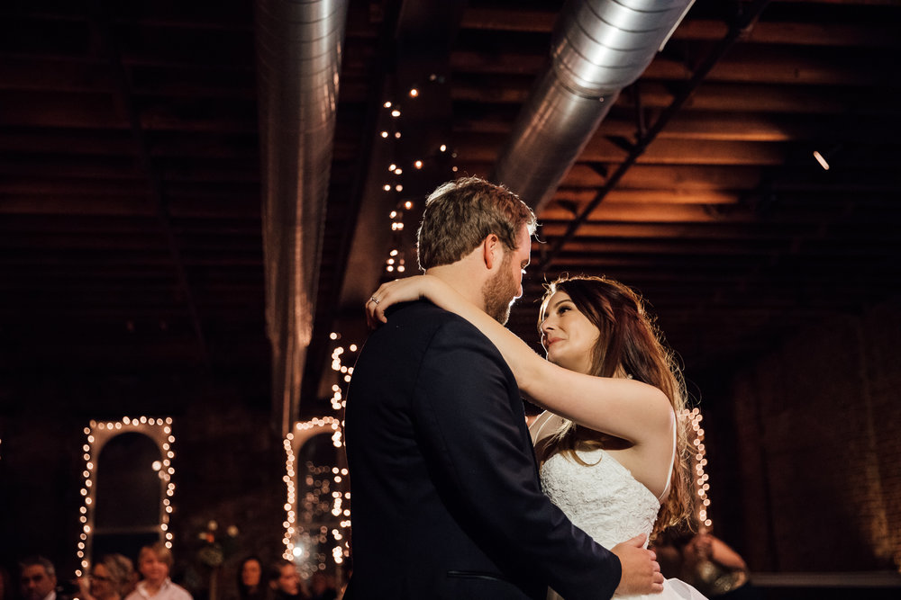 memphis-wedding-photographers-thewarmtharoundyou-ballinese-ballroom (205 of 232).jpg