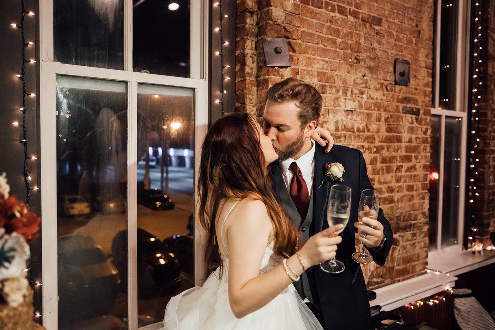 memphis-wedding-photographers-thewarmtharoundyou-ballinese-ballroom (196 of 232).jpg