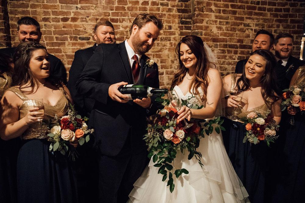 memphis-wedding-photographers-thewarmtharoundyou-ballinsese-ballroom-wedding-venue-downtown (15 of 25).jpg