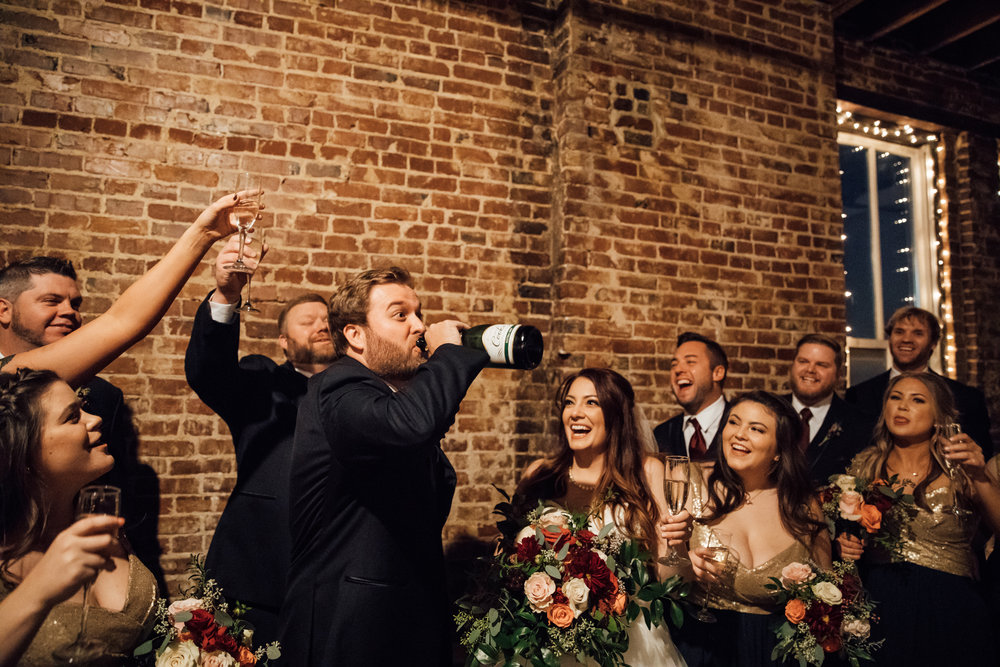 memphis-wedding-photographers-thewarmtharoundyou-ballinsese-ballroom-wedding-venue-downtown (16 of 25).jpg