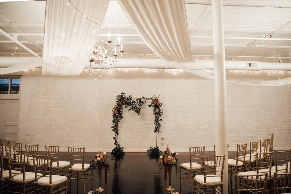 memphis-wedding-photographers-thewarmtharoundyou-ballinsese-ballroom-wedding-venue-downtown (5 of 25).jpg