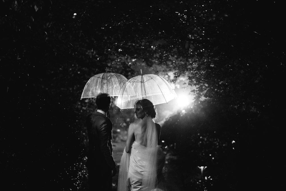 memphis-wedding-photographers-thewarmtharoundyou-dixon-wedding-rainy-wedding-adrianne-drew (5 of 13).jpg