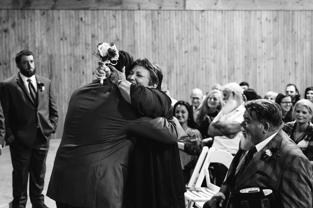 arkansas-wedding-photographer-thewarmtharoundyou-the-delta-gin-wedding-venue-lindsey-mike (12 of 38).jpg