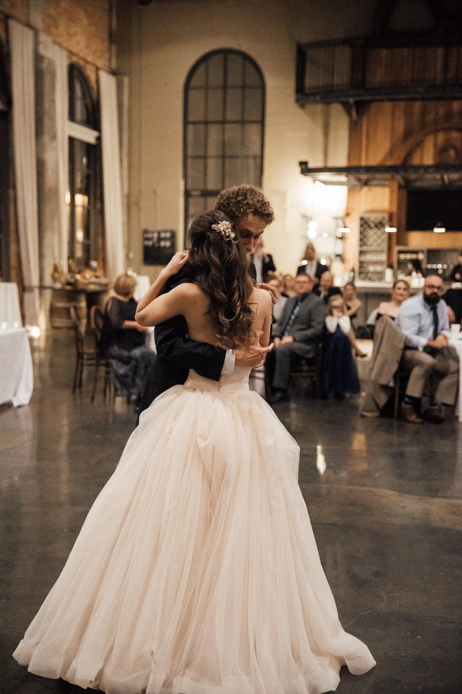 dayton-ohio-steam-plant-wedding-thewarmtharoundyou (280 of 429).jpg