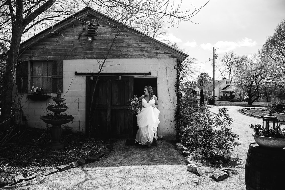 meadow-hills-farm-thewarmtharoundyou-memphis-wedding-photographers (74 of 266).jpg