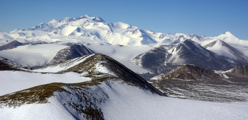 The Transantarctic Mountains and the McMurdo Dry Valleys (right). Photo: Peter Rejcek, NSF, USAP.