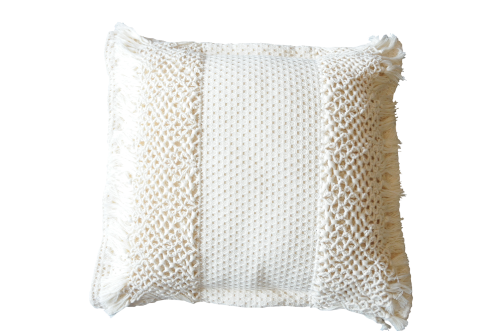 pillow_creme macrame.png