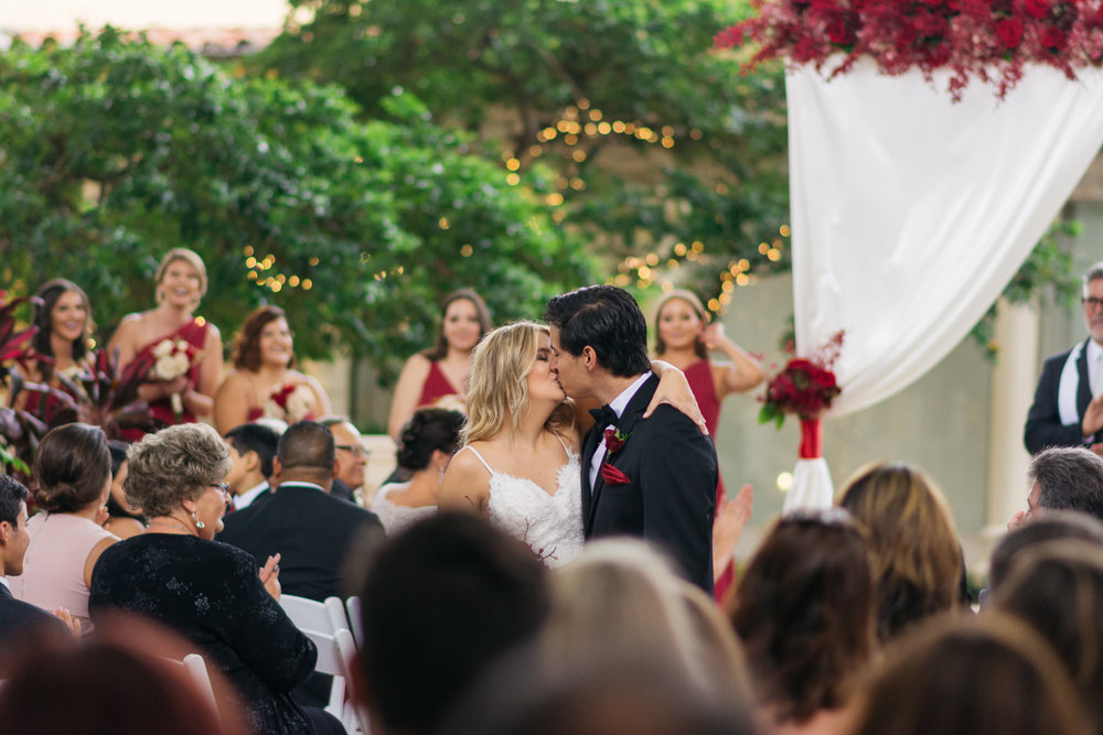 Sam+Ricardo_Wisconsin_Wedding_photographer-34.jpg