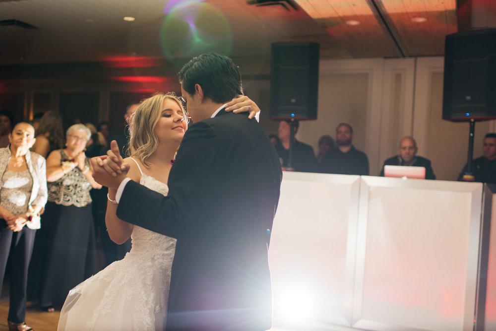 Sam+Ricardo_Wisconsin_Wedding_photographer-37.jpg
