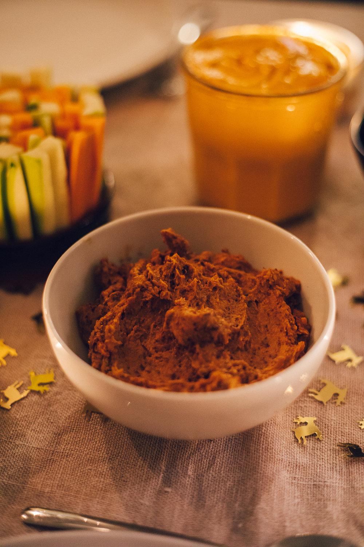 Red Kidney Bean Hummus - Vegan Christmas Dinner Food - www.amelietahiti.com
