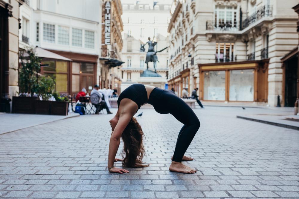 Yoga Teacher Training Paris - Amelietahiti2.png