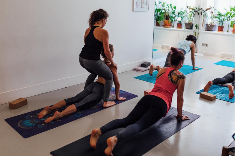 Yoga Teacher Training Paris - Amelietahiti3.png