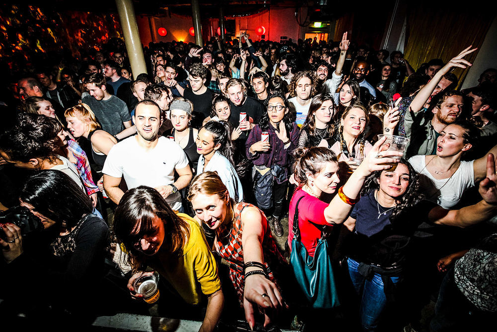 KarrenClifford-crowd1.jpg
