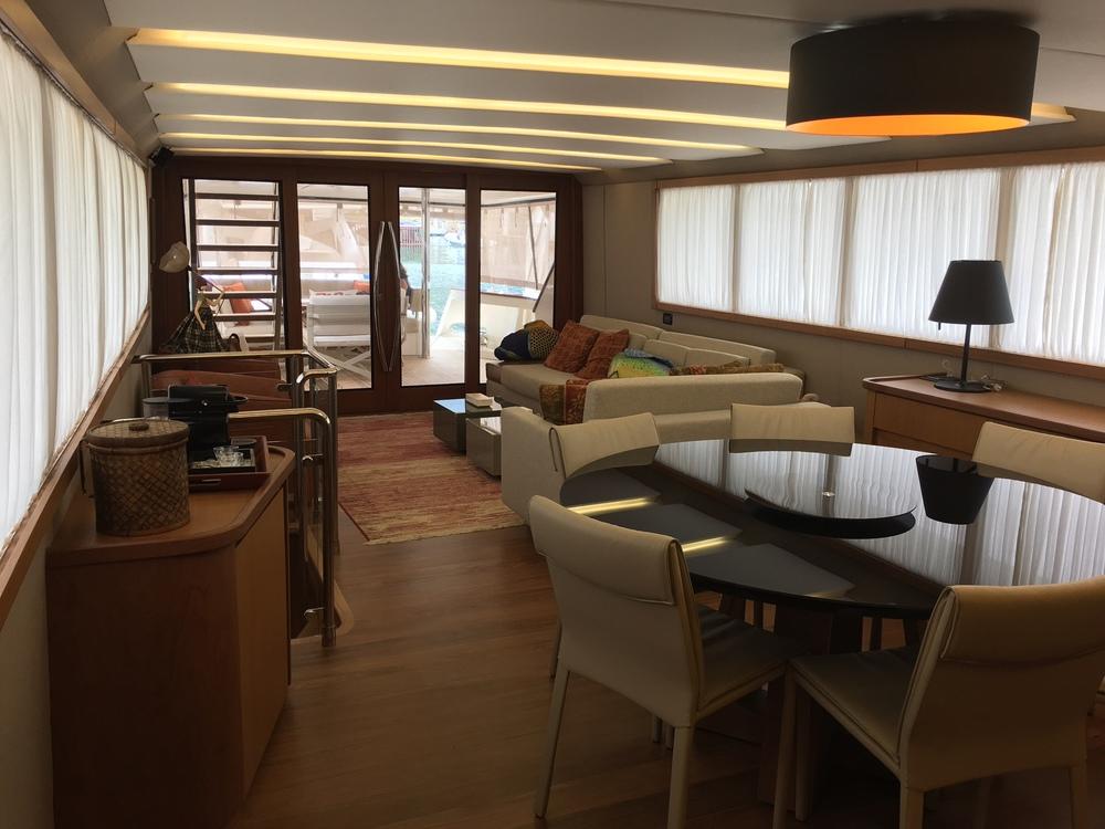 Iate para aluguel, locação, passeio de lancha Angra dos reis, Rio de Janeiro, Paraty, Guarujá, Ilhabela
