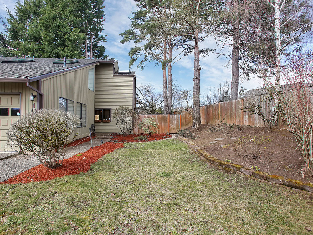 10775 SW Summer Lake Dr - Tigard- 03.jpg