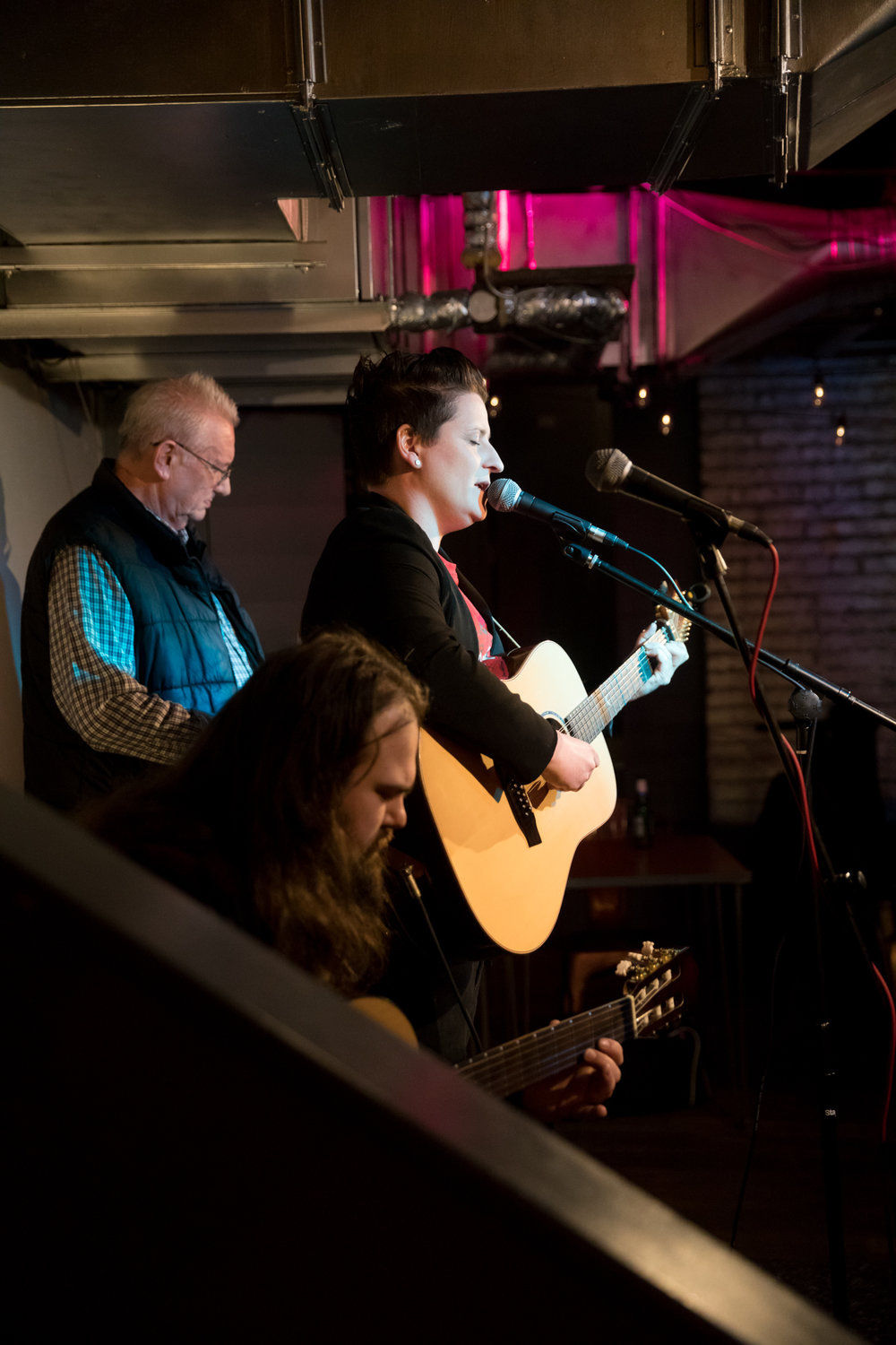London Open Mic Night Chloe Ray Long Island Photographer-6.jpg