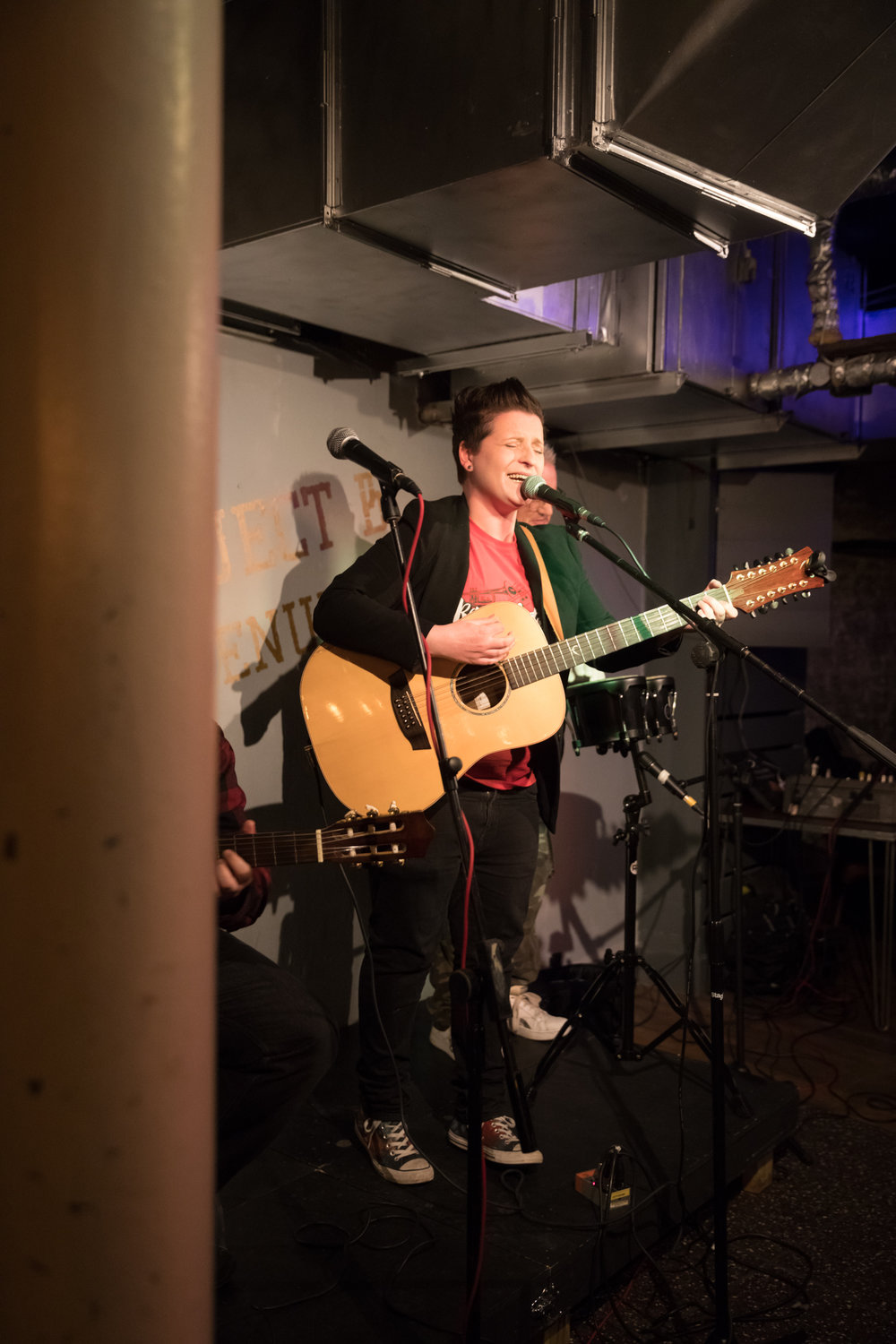 London Open Mic Night Chloe Ray Long Island Photographer-22.jpg