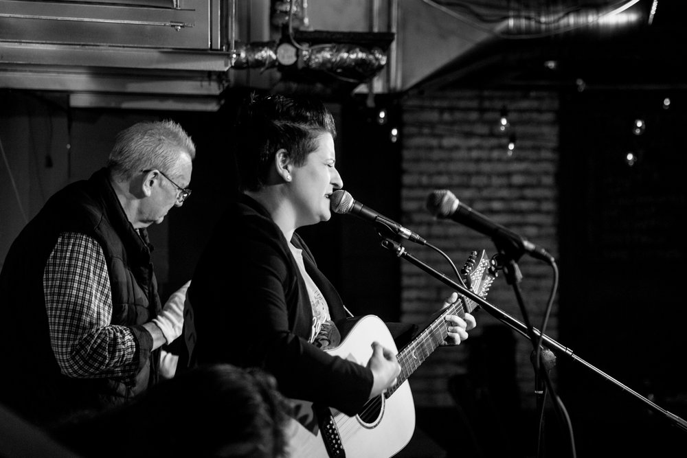 London Open Mic Night Chloe Ray Long Island Photographer-38.jpg