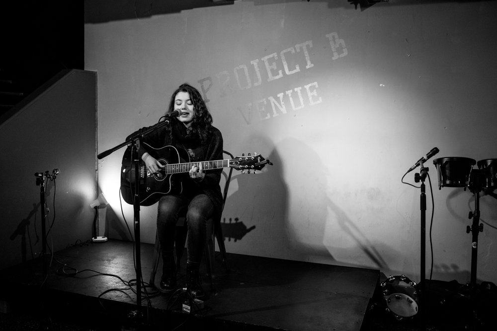 London Open Mic Night Chloe Ray Long Island Photographer-49.jpg
