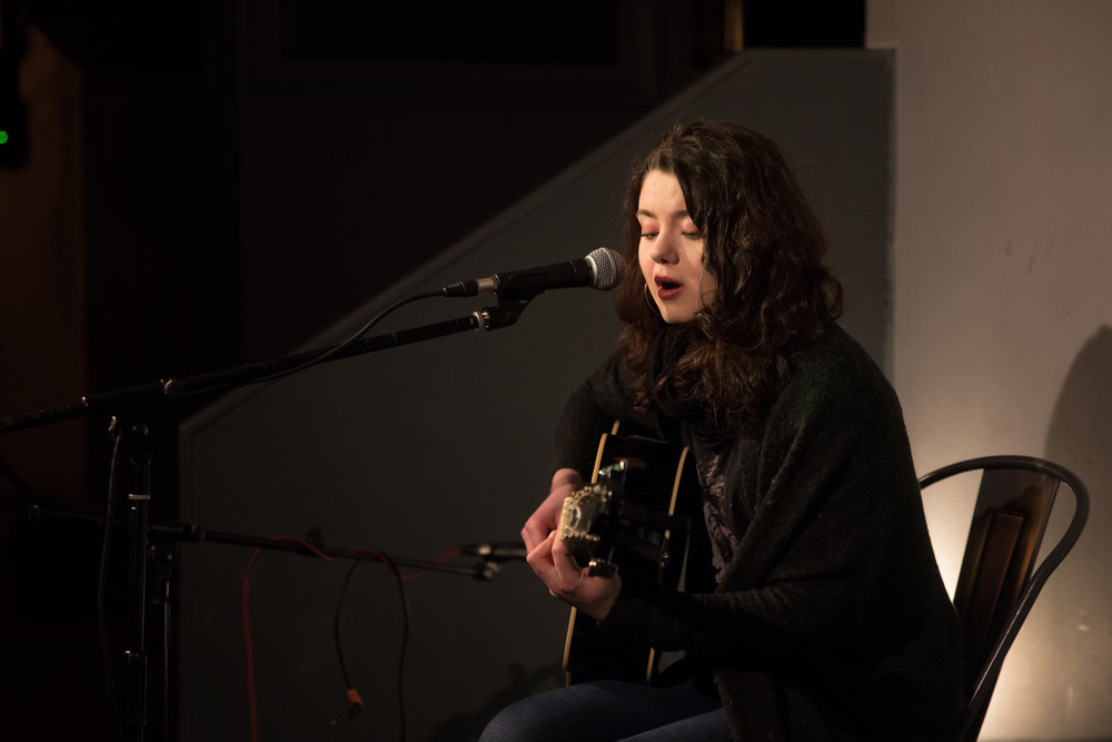 London Open Mic Night Chloe Ray Long Island Photographer-51.jpg