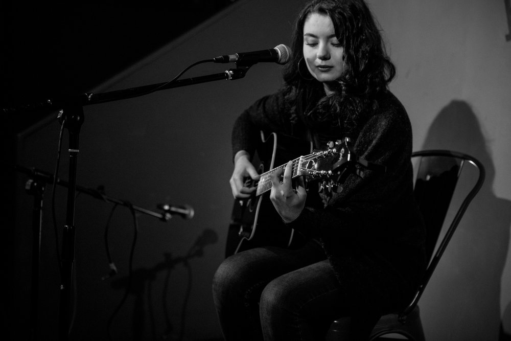 London Open Mic Night Chloe Ray Long Island Photographer-52.jpg