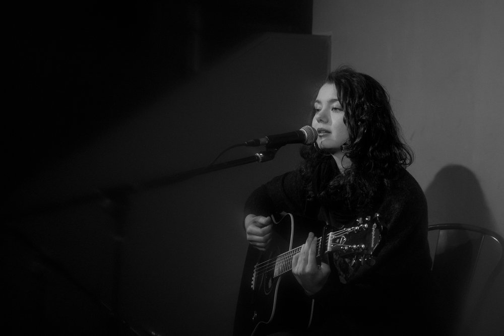 London Open Mic Night Chloe Ray Long Island Photographer-56.jpg