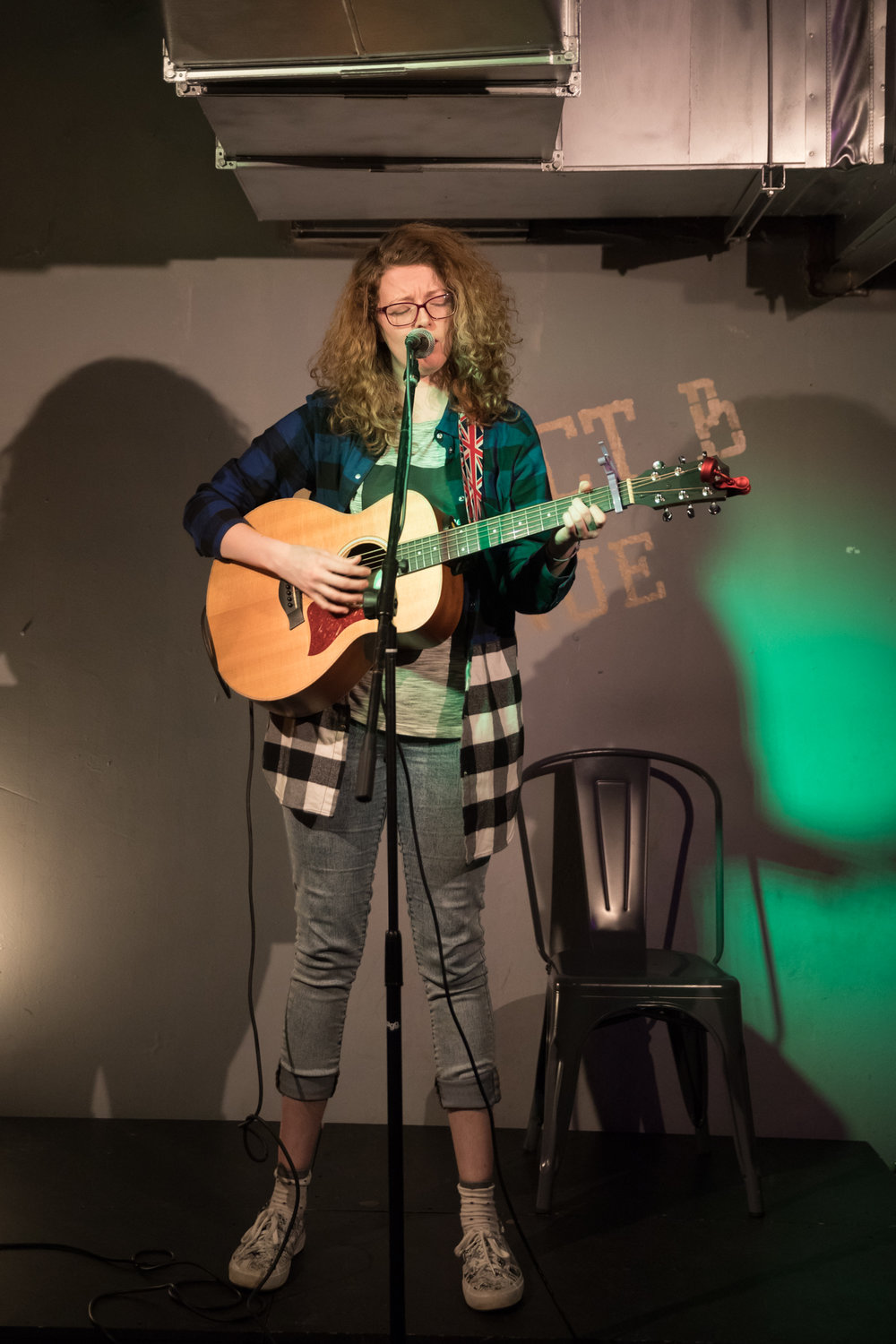 London Open Mic Night Chloe Ray Long Island Photographer-59.jpg