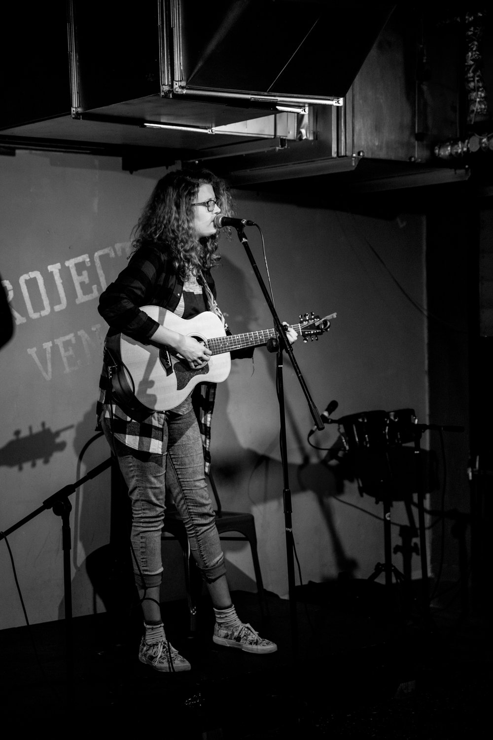 London Open Mic Night Chloe Ray Long Island Photographer-62.jpg