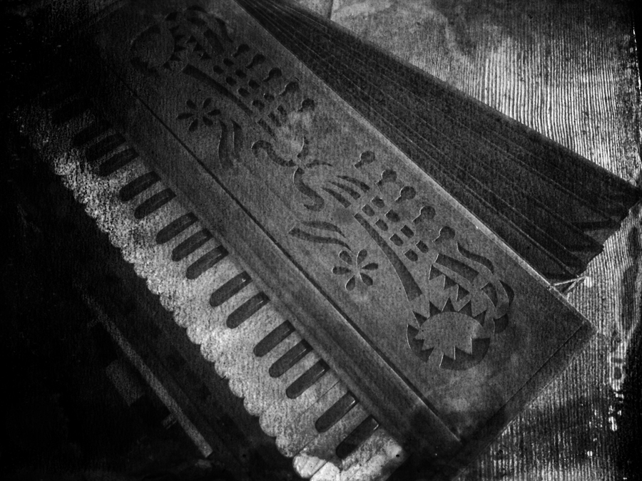 harmonium.bw.DARK.IMG_4737.BW.jpg