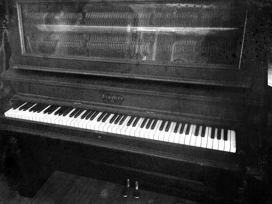 stand up piano.bw.IMG_6178.BW.jpg