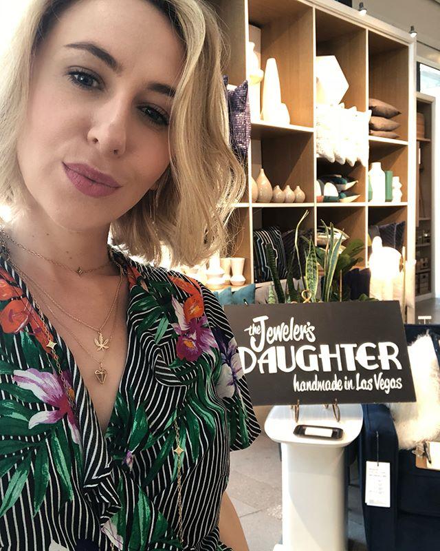 Who's coming to visit me and @bleumoonbakery at @westelmsummerlin today? Jewels, Jewels, Jewels. And yummy vegan pastries too. I'll be here til 4! ⚡️💖⚡️💖 #popupshop #vegasdesigner #madeinvegas #westelmlocal #entrepreneur #lasvegaslady #vegasborn #summerlin #personaljeweler