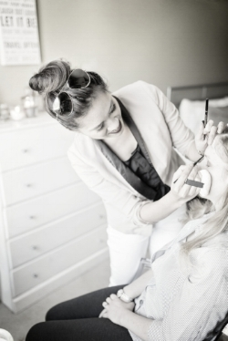 JENNY LE                                                              Professional Makeup Artist   |   Esthetician - wax expert | with over 8 years of experience